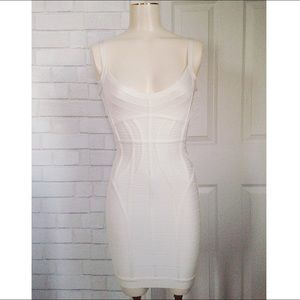 Brand New Herve Leger Kollete Ivory dress