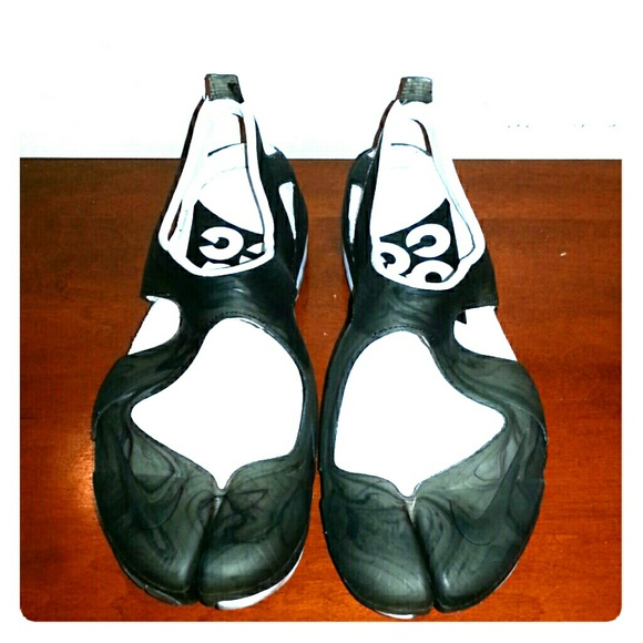 754ddac76a60 New Nike ACG nikelab Free Rift Split Toe Size 8. M 5846c95b713fde10a40116f5