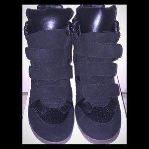 Exhilaration Shoes - Exhilaration Black High Top Sneakers - Size 8