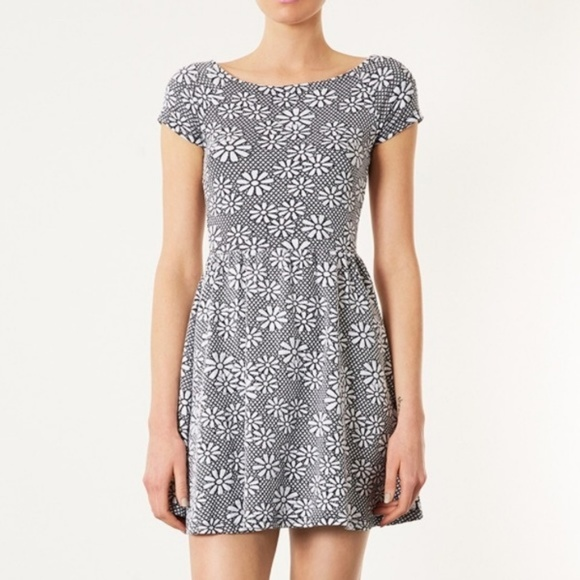 Topshop Dresses Black White Daisy Dress Poshmark