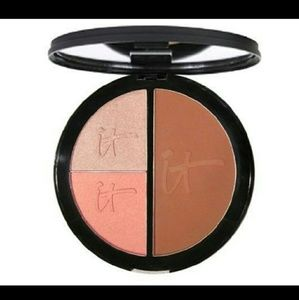 IT Cosmetics Other - NWOT It Cosmetics Vitality Face Disc
