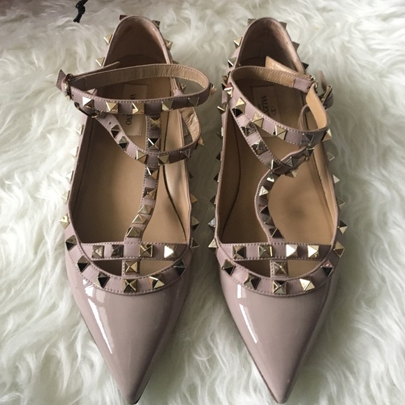 35e592b2ae Valentino Garavani Shoes | Nude Valentino Rockstud Flats | Poshmark