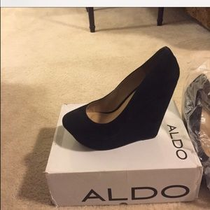 Aldo black suede wedges size 40/ us 10