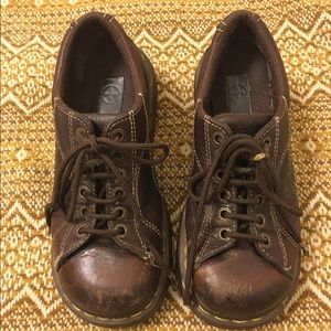 Dr. Martens Shoes - 💥LAST CHANCE💥 Vintage Brown Doc Martens Oxfords