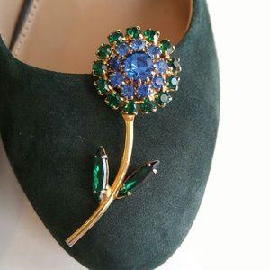 Vintage Jewelry - Vintage rhinestone flower brooch blue green gold