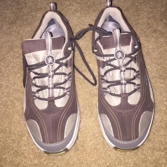 d59f3b233fca MBT Swiss Engineered Shoes