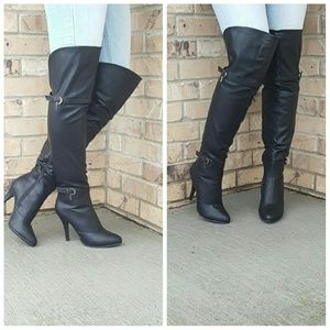 Size 6.5 knee high boots