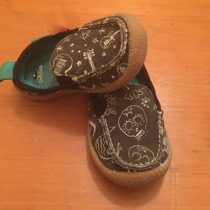 Chooze Other - Toddler size 5M chooze slip on shoes