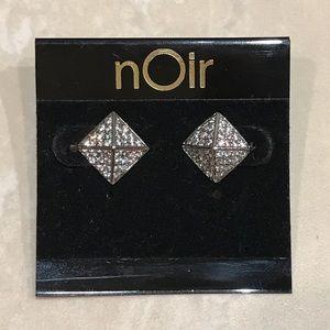 nOir Rockstud Silver CZ Pyramid Stud Earrings