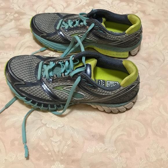 Burch S Brooks Addiction Women S Running Shoes