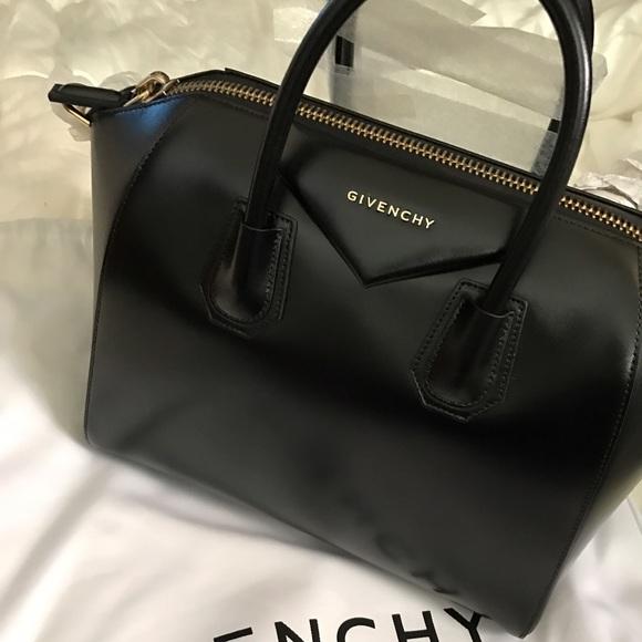 a6a41a3e6e Medium Givenchy Antigona Bag