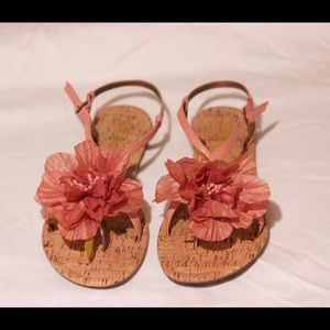 Report Brand sandals with flower