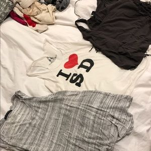⚡️sale⚡️Lot of 3 tank tops XS