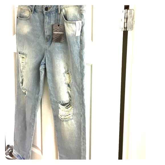0ad74702c00144 Almost Famous Mom Jeans Brand New with Tags