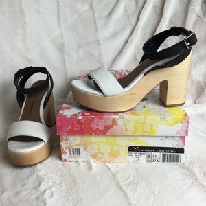 Chinese Laundry OUT OF SIGHT Platform Sandals 7