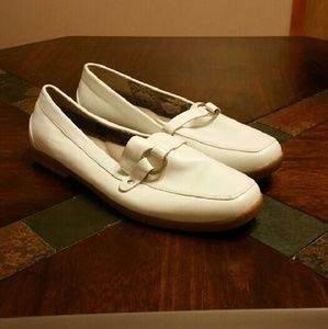 GRASSHOPPERS Shoes - White Leather Loafer Flats Size 9.5W Wide Width