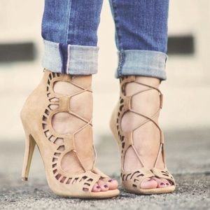 SHOEMINT ROMY NUDE SUEDE LACE UP HEELS 7