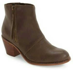 SOLE SOCIETY Ines Booties