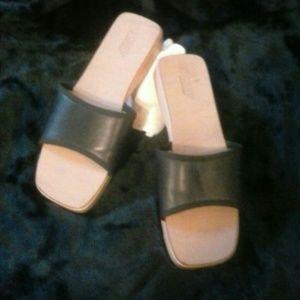 J. Crew Shoes - 💕J Crew 💕Sandals  Beach Slides Wood/Leather 8