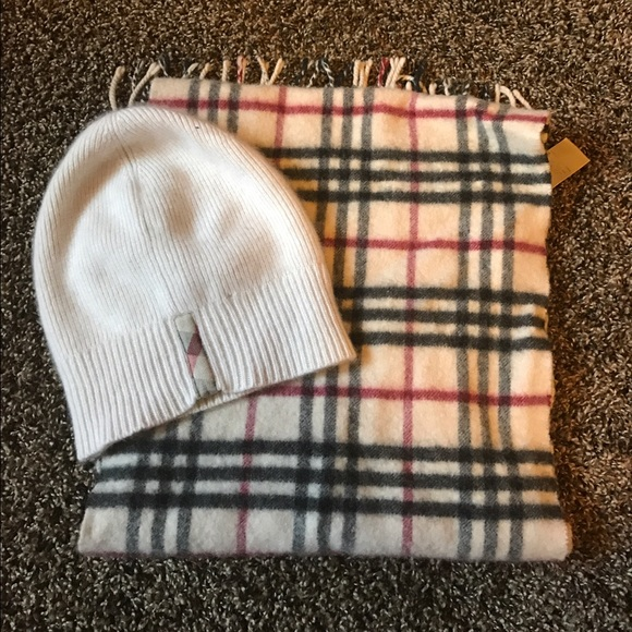 f143e62c79e ... coupon code matching burberry hat and scarf set ed0db 8530e