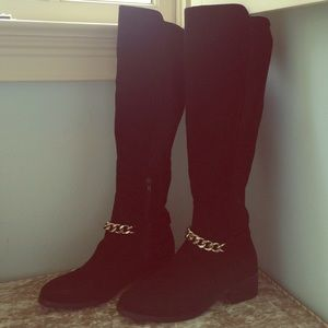 Beautiful faux suede tall boots silver chain 8.5 M