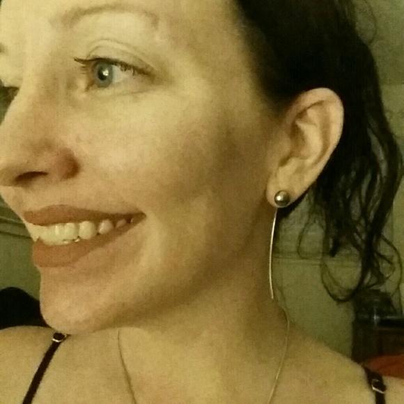 Jessica Elliot Jewelry - SALE Sterling Silver Swarovski Gray Pearl Earrings
