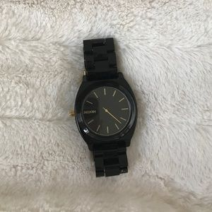 Black Nixon watch, barely used
