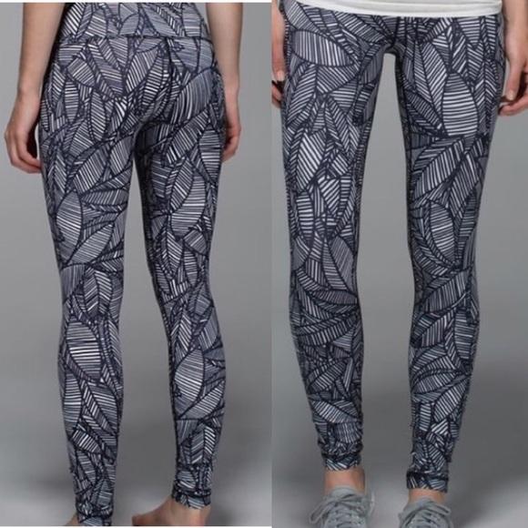 e799e9e7e lululemon athletica Pants - Lululemon banana leaf print leggings in 7 8  length