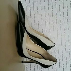 Black MaxMara Ancella leather shoes. Heel 4in.