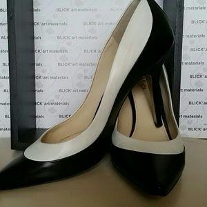 MaxMara Shoes - Black MaxMara Ancella leather shoes. Heel 4in.