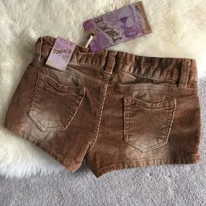 Truce Shorts - Brown corduroy shorts with stretch