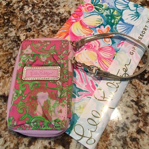 Lilly Pulitzer Handbags - EUC Lilly Wristlet