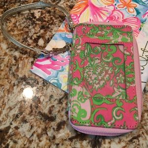 Lilly Pulitzer Bags - EUC Lilly Wristlet