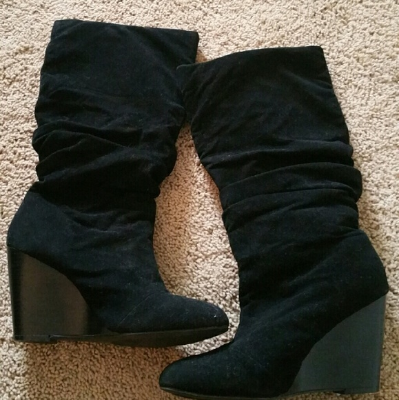 85 cathy jean shoes cathy jean blck suede wedge