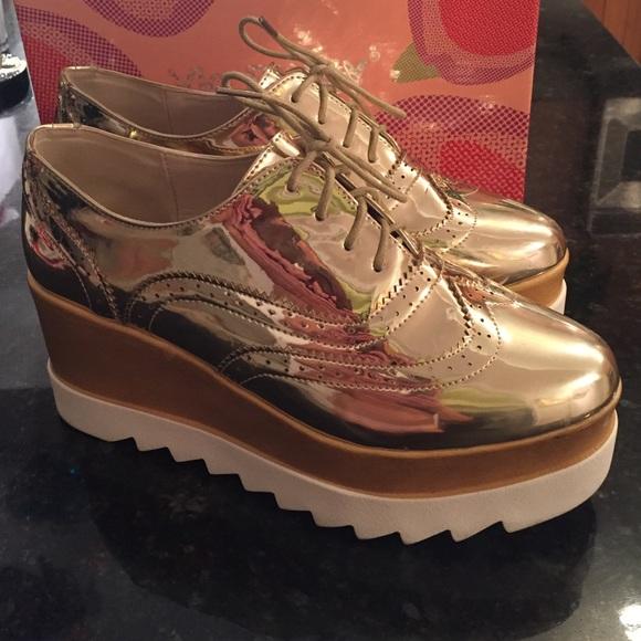 1c647cfdddc Via Pinky Gold Vegan Wedges with Shoe Box. M 5848b48a9c6fcf10470024da