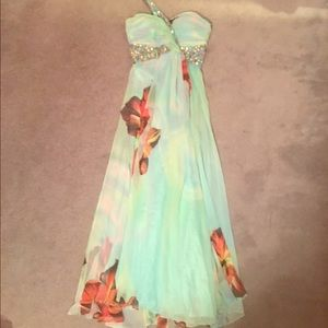 Dresses & Skirts - Beautiful Tropical Prom Dress