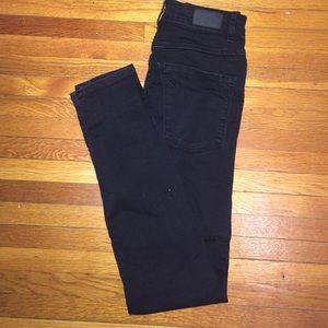 Size 26 Zara skinny jeans. High waisted. Black
