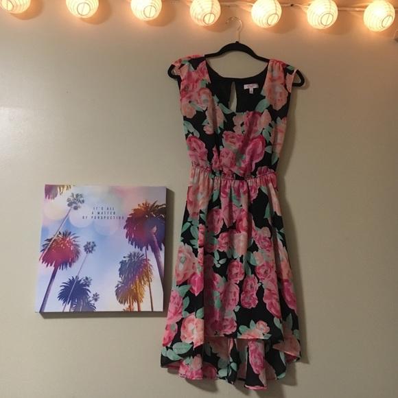Sold! Flowery dress! 🌸🌺🌸