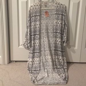 NWT black and white long and open cardigan - M