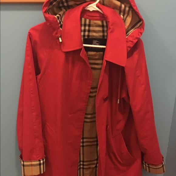 online yet not vulgar hoard as a rare commodity Authentic Vintage Burberry Women's Raincoat