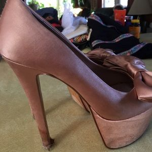 H by Halston Shoes - H by Halston mauve satin bow platform heel. 5.5in