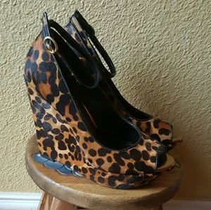 Leopard wedge with ankle strap