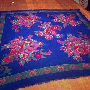 Vintage light wool floral scarf