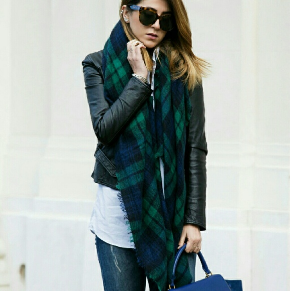 Green and Blue Plaid/Houndstooth Blanket Scarf