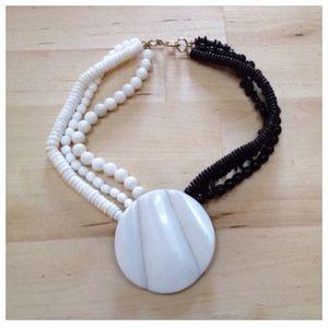 Vintage Jewelry - Beautiful vintage resin necklace. Black & white