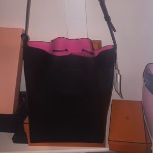 Mansur Gavriel Handbags - Large Mansur Gavriel Bucket bag black/dolly