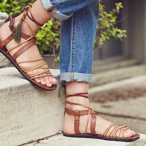 Free People Shoes - 🆕 Free People Willow sandals