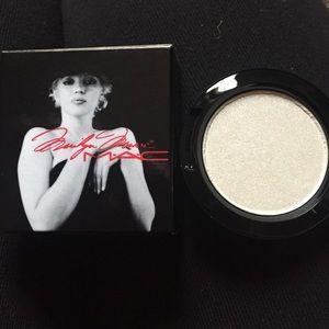 Mac Cosmetics How to Marry LG Eyeshadow-RARE