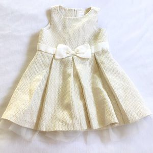 b132ba9f3 Gymboree Dresses - Gymboree Ivory & Gold Shimmer Holiday Dress Girl