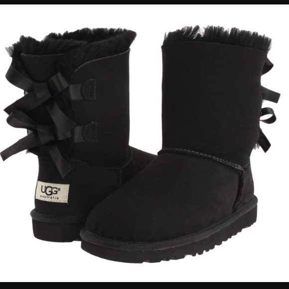 all black bailey bow uggs
